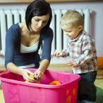 Дитячий одяг: як привчити малюка його берегти