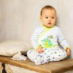 Как и когда одевать ползунки новорожденному