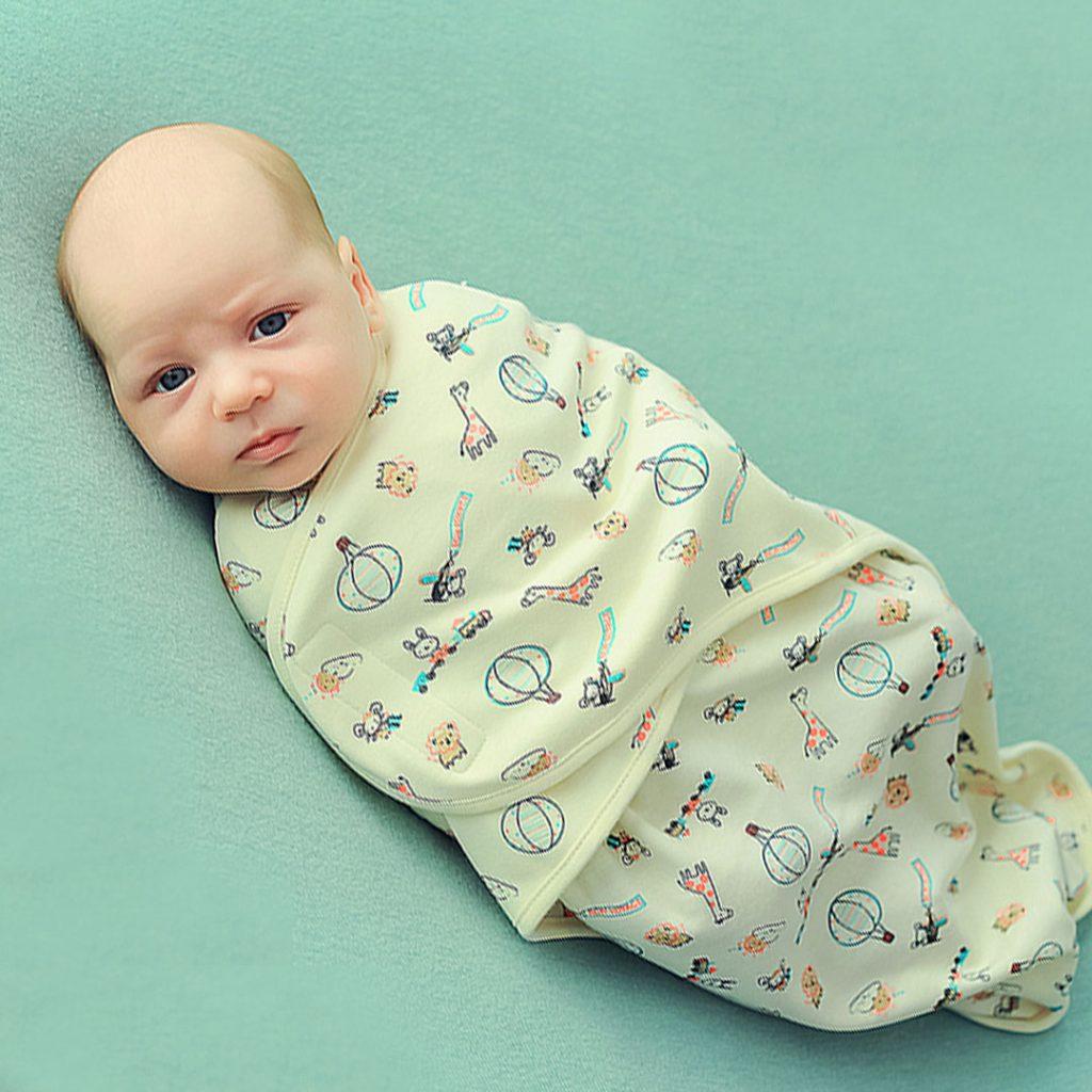 Одяг на перший період життя дитини