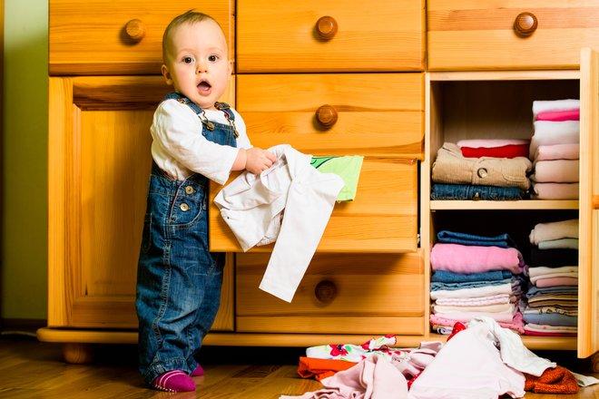 Детская одежда: как приучить малыша ее беречь - изображение 1