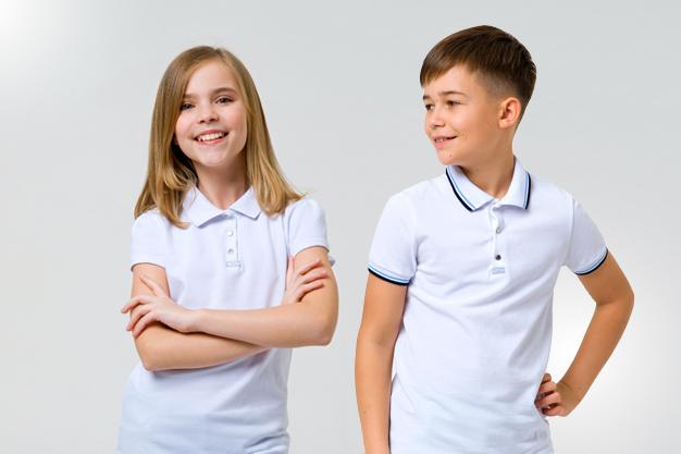 Детские футболки поло: как сочетать со школьной формой - изображение 1