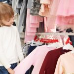 Нарядні та повсякденні блузки в школу: як вибрати?
